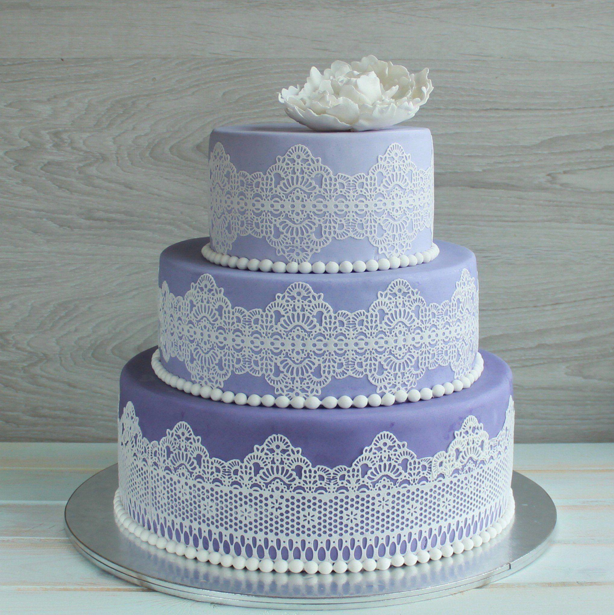 торт украшенный айсингом